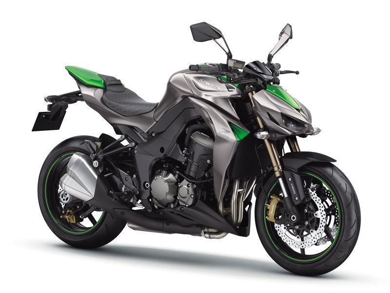 Foto Kawasaki Z 1000 2014 Frontal Derecho 21
