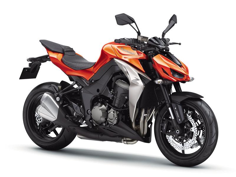 Foto Kawasaki Z 1000 2014 Frontal Derecho 23