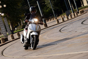 piaggio beverly-sport-touring-350ie-abs 2013