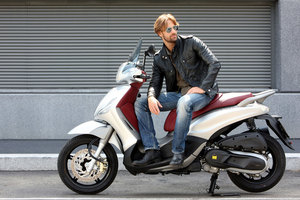 piaggio beverly-sport-touring-350ie 2013