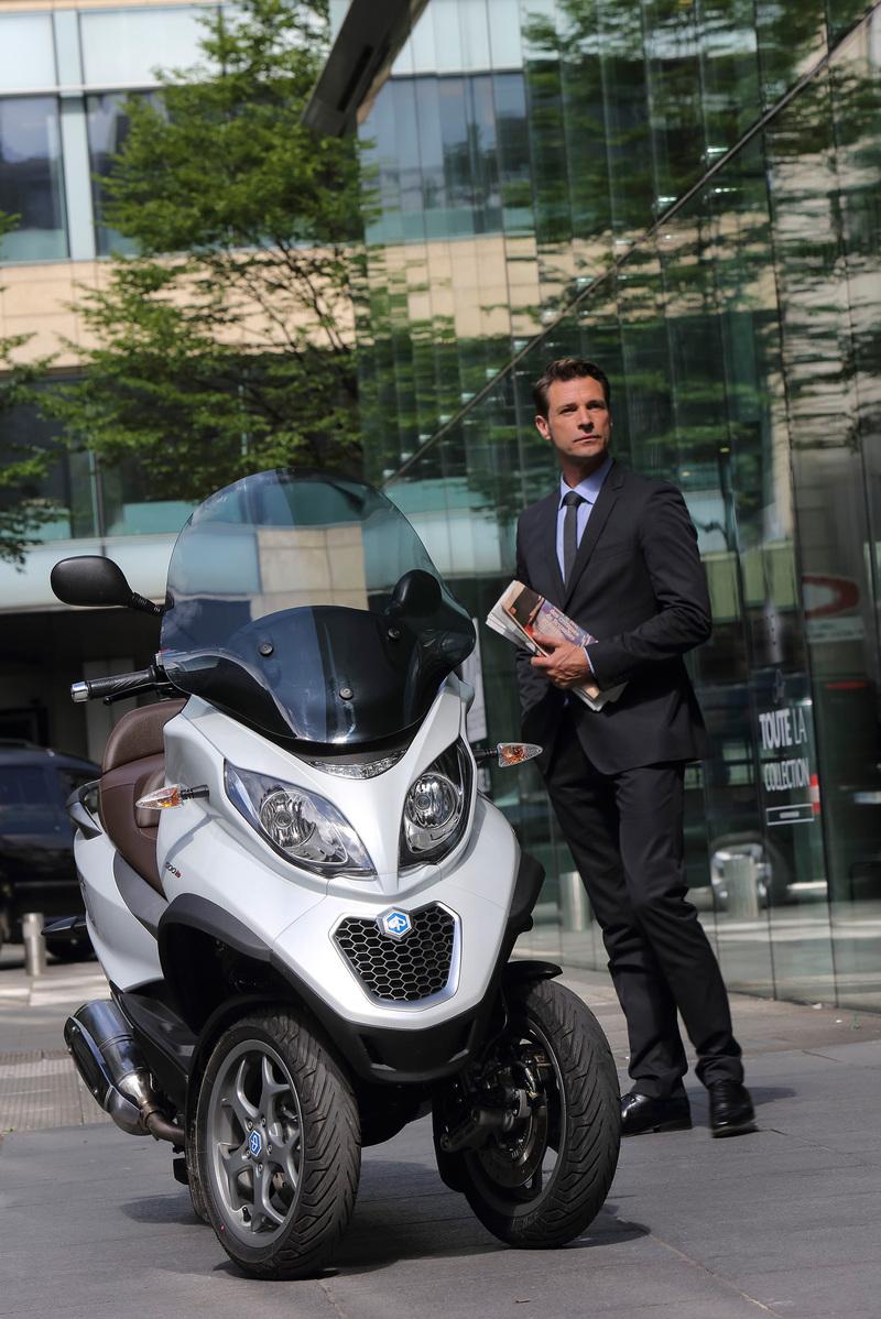 Foto Piaggio MP3 500 Business 2014 Exterior 32