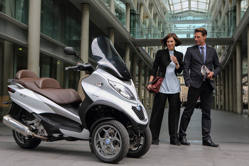 Foto Piaggio MP3 500 Business 2014 Exterior 33