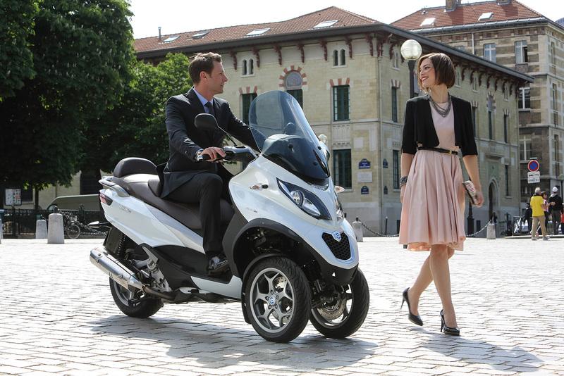 Foto Piaggio MP3 500 Business 2014 Exterior 37