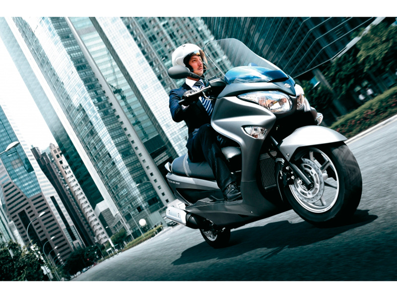 Foto Suzuki Burgman 125 ABS 2014 Dinamica 19