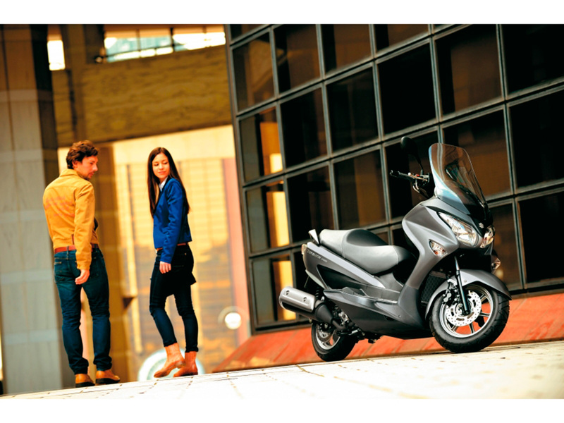 Foto Suzuki Burgman 200 ABS 2014 Exterior 30