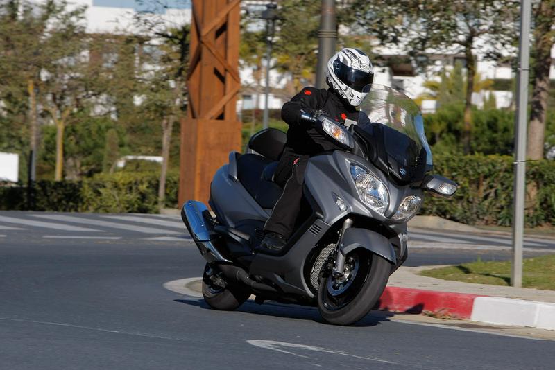 Foto Suzuki Burgman 650 2014 Dinamica 62