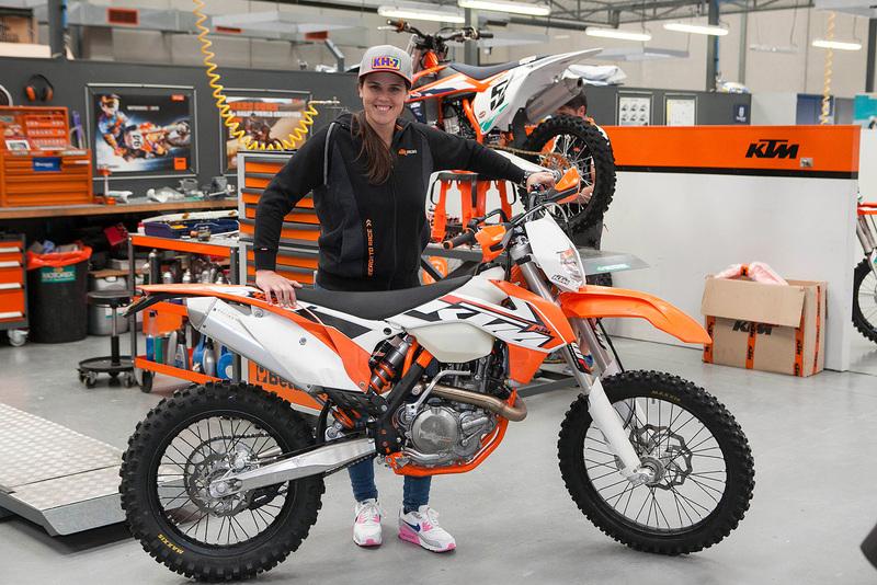 Foto Laia Sanz KTM 2015 3