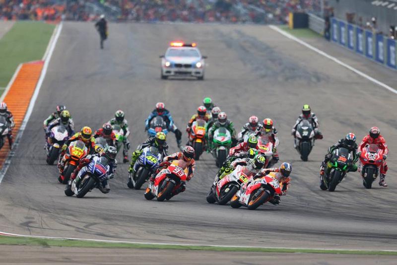 Foto Salida MotoGP GPAragon 2014