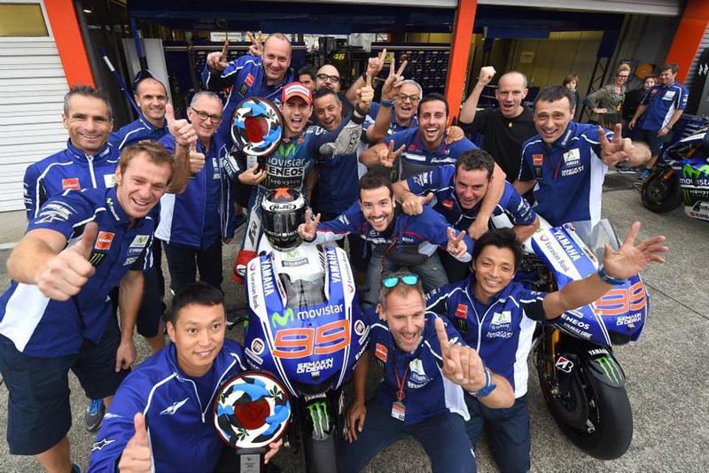 Foto Lorenzo Team GPJapon 2014