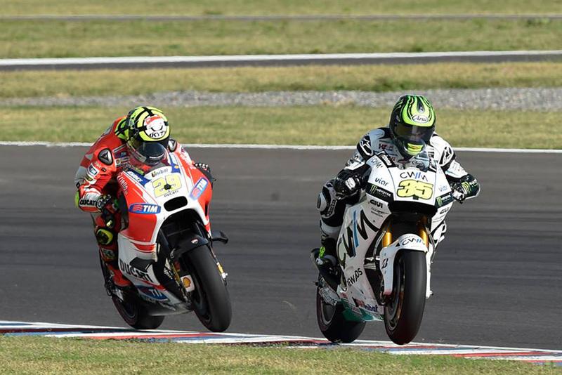 Foto Crutchlow Iannone GP Argentina 2015 1