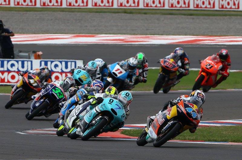 Foto Oliveira Efren Vinales GP Argentina 2015 1