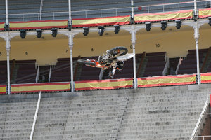 Foto Red Bull X Fighter 100