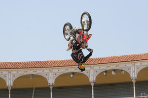 Foto Red Bull X Fighter 108