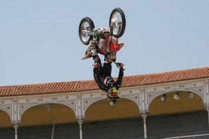 Foto Red Bull X Fighter 115
