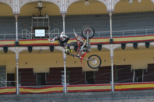 Foto Red Bull X Fighter 144