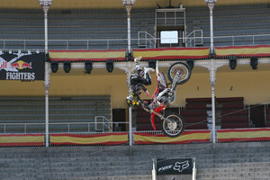 Foto Red Bull X Fighter 145