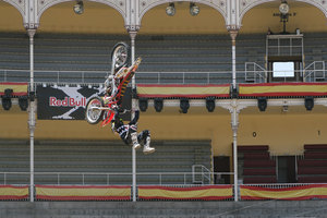 Foto Red Bull X Fighter 168