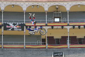 Foto Red Bull X Fighter 185