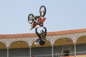 Foto Red Bull X Fighter 186