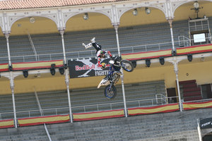 Foto Red Bull X Fighter 188