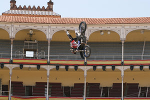 Foto Red Bull X Fighter 208