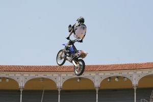 Foto Red Bull X Fighter 211