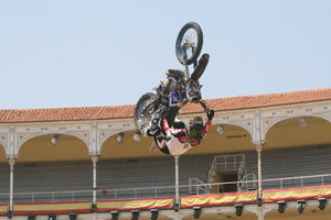 Foto Red Bull X Fighter 215