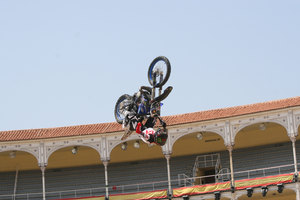 Foto Red Bull X Fighter 221