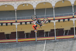 Foto Red Bull X Fighter 230
