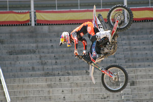 Foto Red Bull X Fighter 240