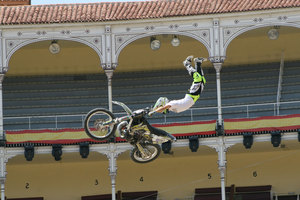 Foto Red Bull X Fighter 243