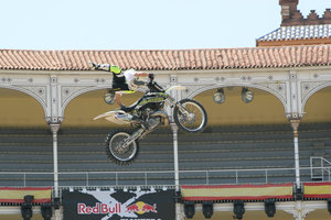 Foto Red Bull X Fighter 244