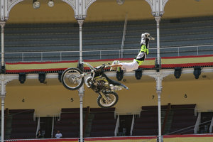 Foto Red Bull X Fighter 246