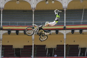 Foto Red Bull X Fighter 247