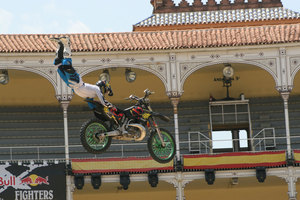 Foto Red Bull X Fighter 251