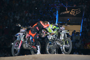 Foto Red Bull X Fighter 420