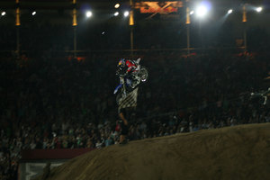 Foto Red Bull X Fighter 512
