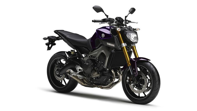 Foto Yamaha MT 09 2014 Frontal Derecho 20