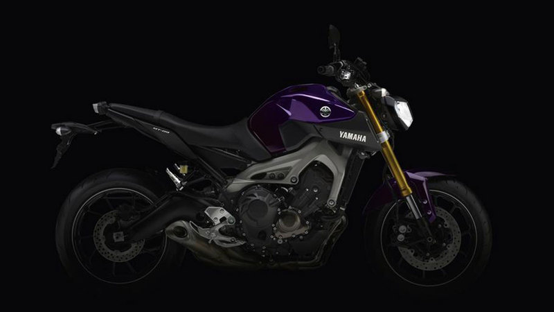Foto Yamaha MT 09 2014 Lateral Derecho 25