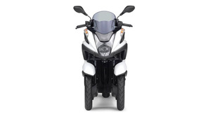 Foto Yamaha Tricity 2015 Frontal 024
