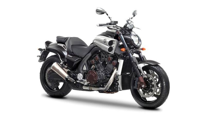 Foto Yamaha VMAX Carbon 2015 Frontal Derecho 12