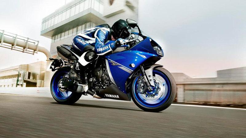 Foto Yamaha Yzf R1 2013 Dinamica 24