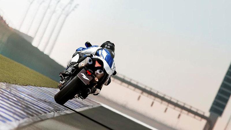 Foto Yamaha Yzf R1 2013 Dinamica 26