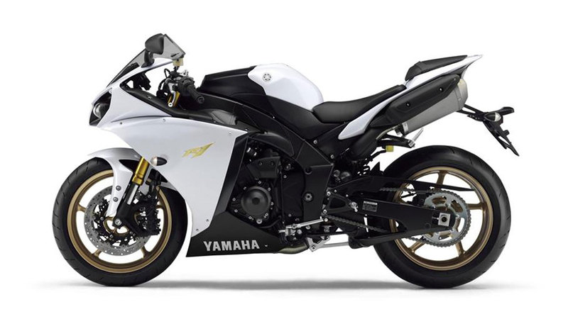 Foto Yamaha Yzf R1 2013 Lateral Izquierdo 11