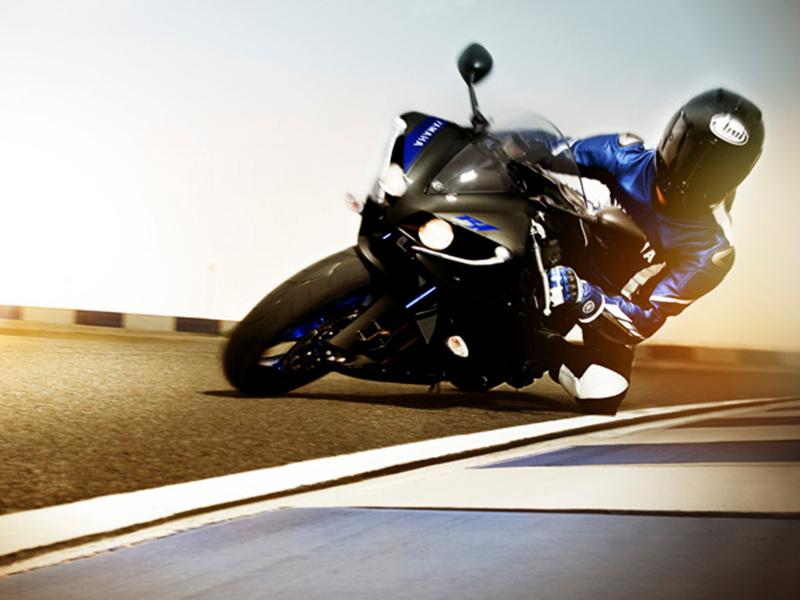 Foto Yamaha YZF R1 2014 Dinamica 12
