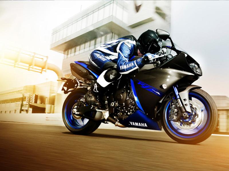Foto Yamaha YZF R1 2014 Dinamica 8