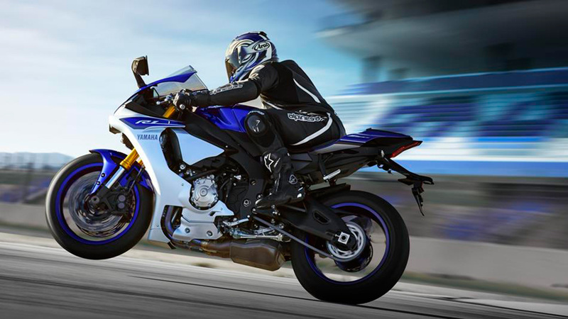 Foto Yamaha YZF R1 2015 Dinamica 002