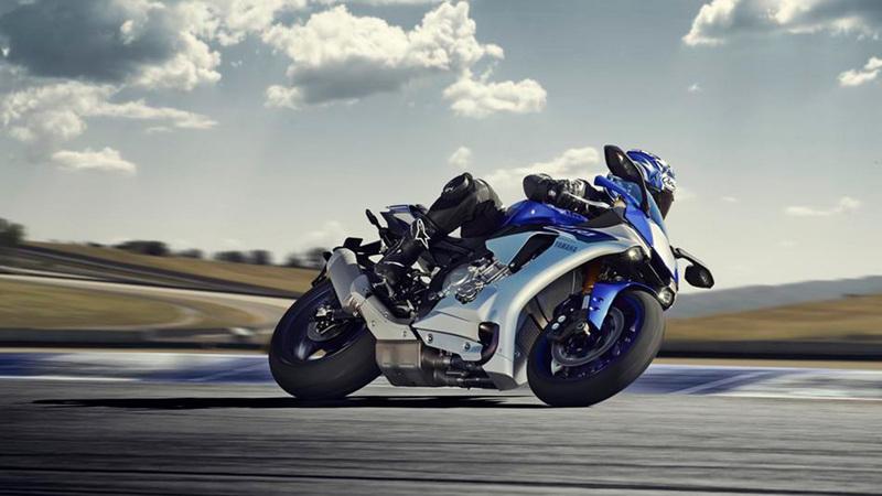 Foto Yamaha YZF R1 2015 Dinamica 003