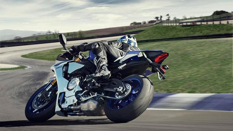 Foto Yamaha YZF R1 2015 Dinamica 005