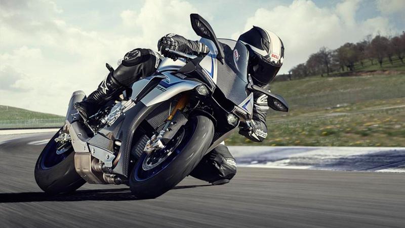 Foto Yamaha YZF 1000 R1M 2015 Dinamica 001